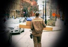 d2c parcel delivery person